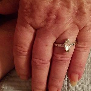 Size 7 1/2 cz ring silver diamond look